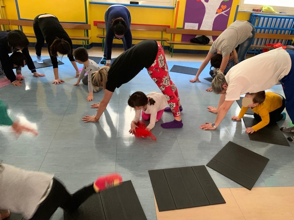 family yoga school